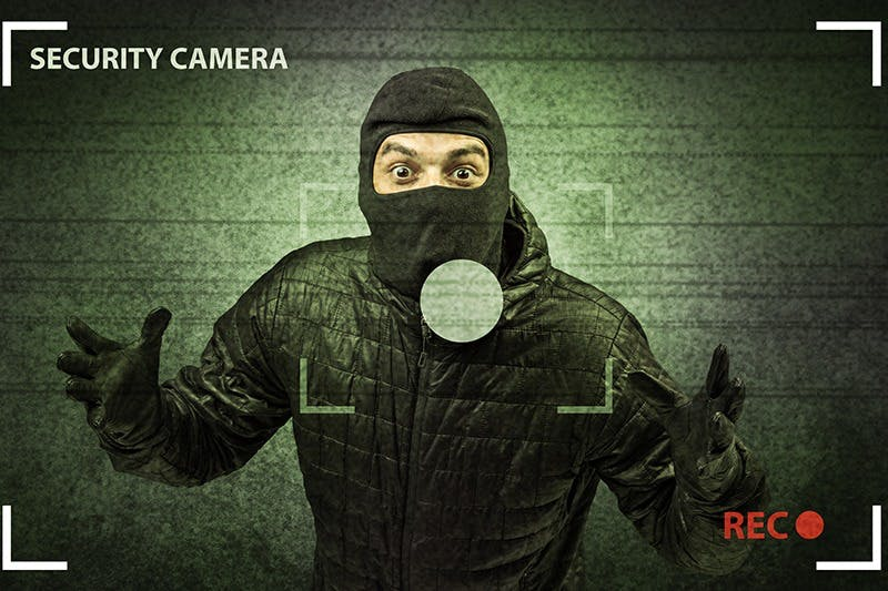 World's Stupidest Thieves Rob a Vape Shop [VIDEO]